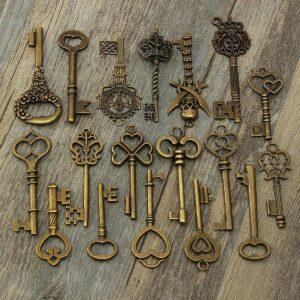 Sada starožitných bronzových klíčů MIX